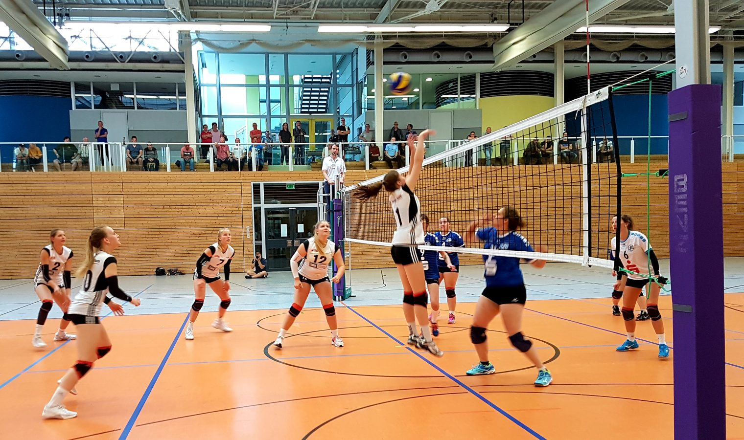 Volleyball Regionalliga Ost: SWE Volley-Team 2 : VfB 91 Suhl 2 (2:3) . Sportgymnasium Erfurt . 15.09.2018 (Foto: Michael Panse)
