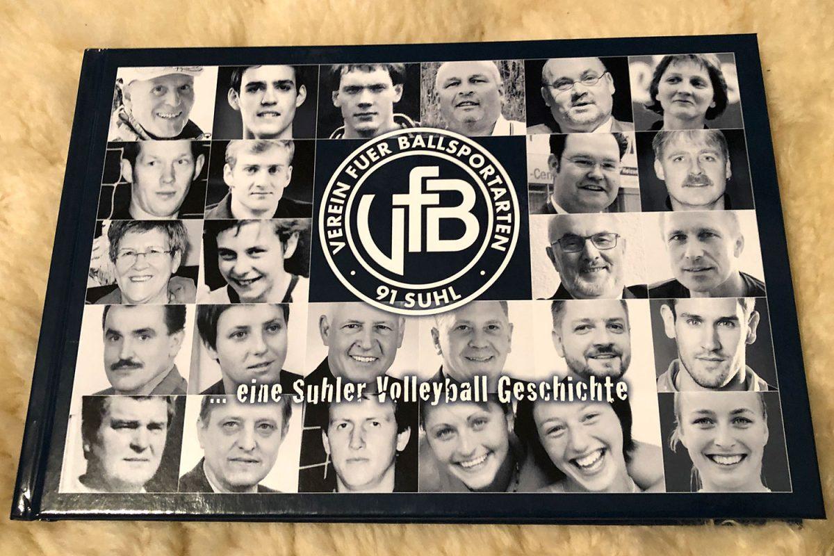Buchcover: VfB 91 Suhl ... eine Suhler Volleyballgeschichte (Autoren: Jörn & Ulf Greiser)