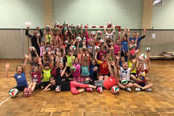 Projekttag: Volleyball macht Schule . Grundschule am Rennsteig Stützerbach 14.12.2018