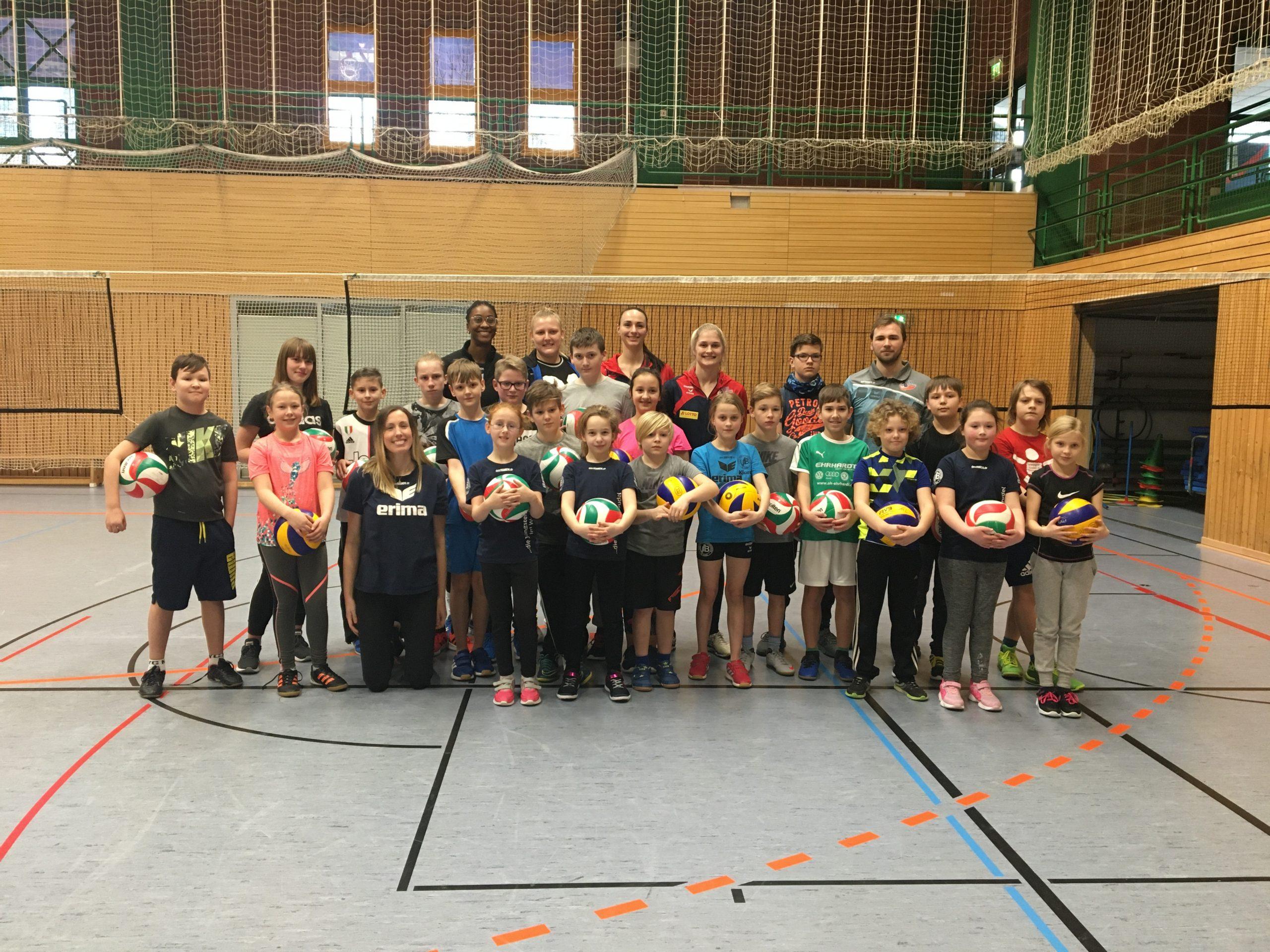 Volleyball macht Schule: Ferienfreizeit mit Bundesliga-Spielerinnen in Hildburghausen (09.02.2020)