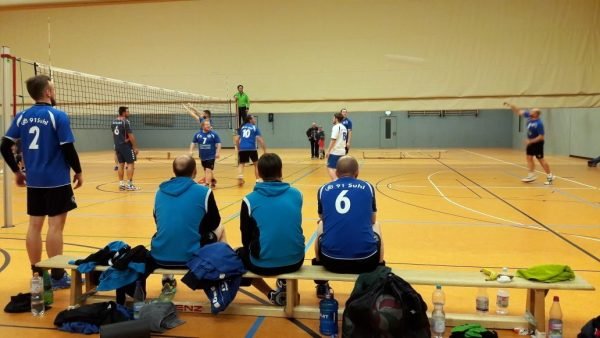 Tiebreak gegen Oberhof . Volleyball-Verbandsliga Süd: WSV Oberhof : VfB 91 Suhl Männer (3:2) . Dreifelderhalle am Harzwald Oberhof . 13.01.2018