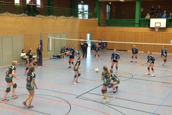 Volleyball Bezirksliga Südost w: VfB 91 Suhl : TSV 1860 Römhild (3:2) . Sporthalle Reinhard Heß Suhl . 15.09.2018