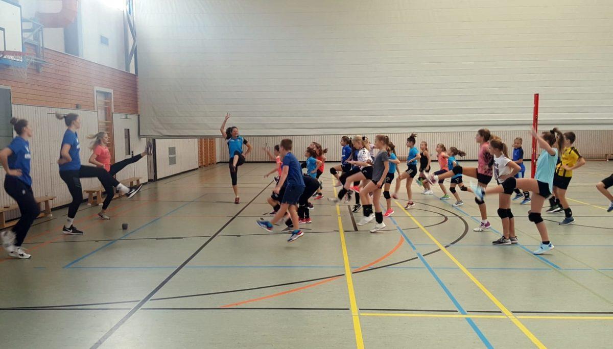 Nachwuchs-Herbsttrainingslager 2019 mit Bundesliga-Spielerinnen . Sporthalle